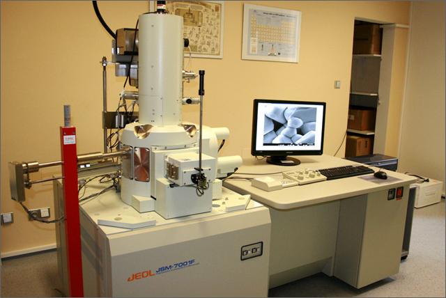 elektronový mikroskop JEOL JSM-7001 STARMANS